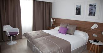 吉尔米瑞兹酒店 - 圣地亚哥-德孔波斯特拉 - 睡房