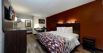 坦帕 - 布兰登红屋顶酒店 - 坦帕 - 睡房