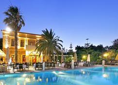 希腊城堡酒店 - 希俄斯 - 游泳池