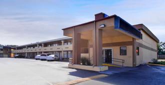 纳什维尔机场南美洲最佳价值酒店 - 纳什维尔 - 建筑