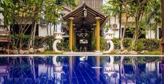 Klebang Beach Resort - 马六甲 - 游泳池