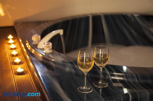 利文斯顿汽车旅馆 - 華卡塔內 - 浴室