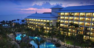 拉文达海滩度假酒店 - 芭堤雅 - 建筑