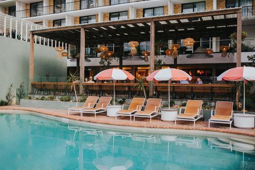 黄金海岸岛民度假村 - 冲浪者天堂 - 游泳池