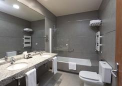阿雷纳莱斯宫殿霍斯皮斯水疗旅馆 - 卡塞雷斯 - 浴室