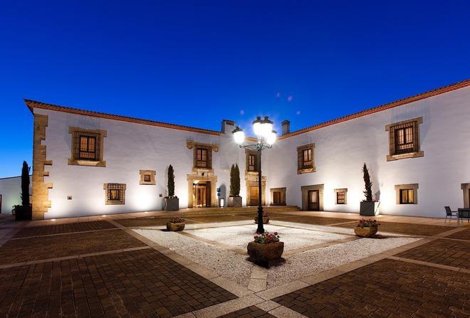 阿雷纳莱斯宫殿霍斯皮斯水疗旅馆 - 卡塞雷斯 - 建筑