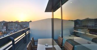 伊斯坦布尔老城华美达酒店 - 伊斯坦布尔 - 阳台