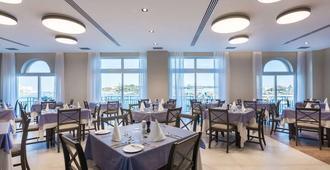 水岸酒店 - 斯利马 - 餐馆
