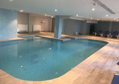 海滨酒店 - 斯利马 - 游泳池