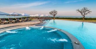 芭提雅都喜天丽酒店 - 芭堤雅 - 游泳池