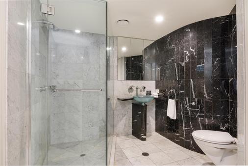 西罗科曼特拉酒店 - 穆卢拉巴 - 浴室