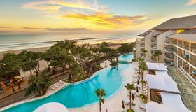 水明漾雙六豪華飯店 - 库塔 - 游泳池