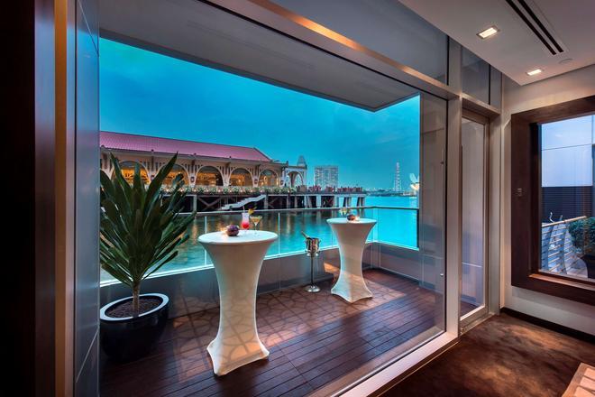 新加坡富丽敦(浮尔顿)海湾酒店 - 新加坡 - 阳台