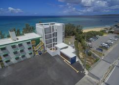 露海滩餐厅及酒店 - 本部 - 建筑