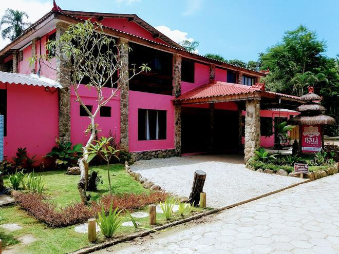 巴厘岛伊塔马布卡套房酒店 - 乌巴图巴 - 建筑