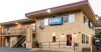 圣地亚哥sdsu附近罗德威酒店 - 圣地亚哥 - 建筑