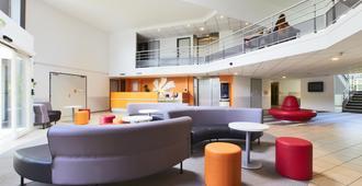 戴高乐机场-巴黎北部维勒班特展览中心普瑞米尔经典酒店 - 鲁瓦西昂法兰西 - 休息厅