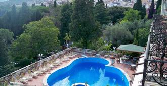 陶得米纳公园酒店 - 陶尔米纳 - 游泳池
