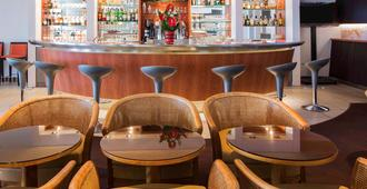诺沃特昂博瓦斯酒店 - 阿姆博斯 - 酒吧