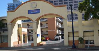 圣地亚哥市中心贝蒙特旅馆套房酒店 - 圣地亚哥 - 建筑