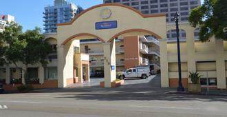 圣地亚哥市中心贝蒙特套房酒店 - 圣地亚哥 - 建筑