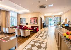 城市宫殿贝斯特韦斯特Plus酒店 - 布伦瑞克 - 大厅