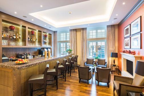 城市宫殿贝斯特韦斯特Plus酒店 - 布伦瑞克 - 酒吧