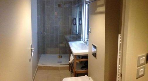狄波斯特斯涛特尔酒店 - 里昂 - 浴室