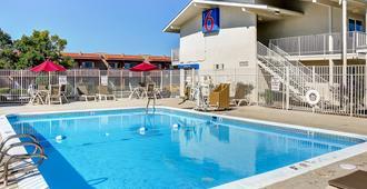 圣达菲6号汽车旅馆 - 圣达菲 - 游泳池