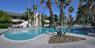 棕榈泉品质旅馆 - 棕榈泉 - 游泳池