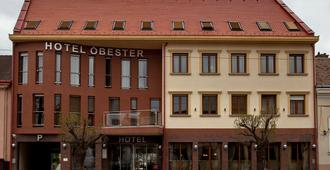 欧拜斯特酒店 - 德布勒森