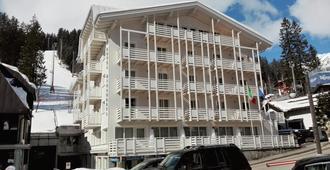 米拉莫提酒店 - 麦当娜迪坎皮格里奥 - 建筑