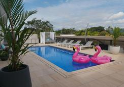 萨特沃特奢华酒店 - 道格拉斯港 - 游泳池