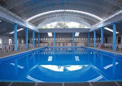 壁虎之家紫藤花园旅馆 - 普林塞萨港 (公主港) - 游泳池