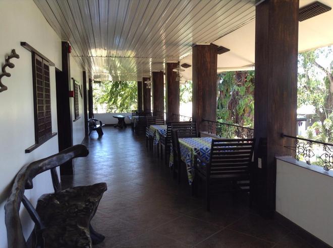 壁虎之家紫藤花园旅馆 - 普林塞萨港 (公主港) - 阳台