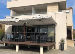 玛塔诺韦德沃里客房与餐厅酒店 - 苏科桑 - 建筑
