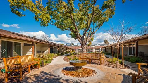 最佳西方花园酒店 - 圣罗莎 - 建筑