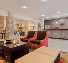 贝斯特韦斯特plus市区套房酒店