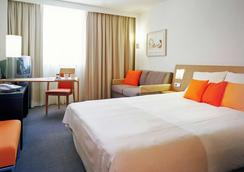 诺富特布鲁日中心酒店 - 布鲁日 - 睡房