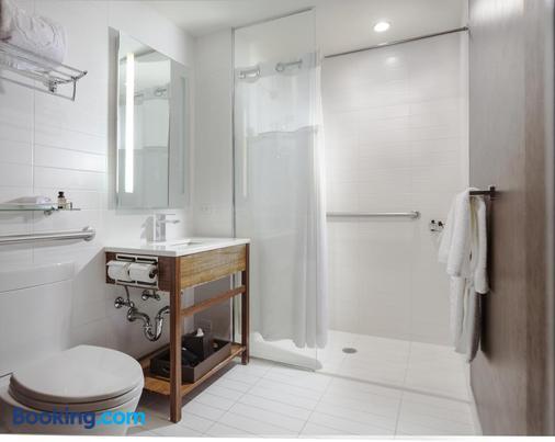 纽约安侨酒店 - 皇后区 - 浴室