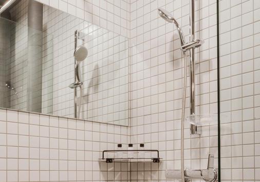 济州普雷斯坎普酒店 - 西归浦 - 浴室