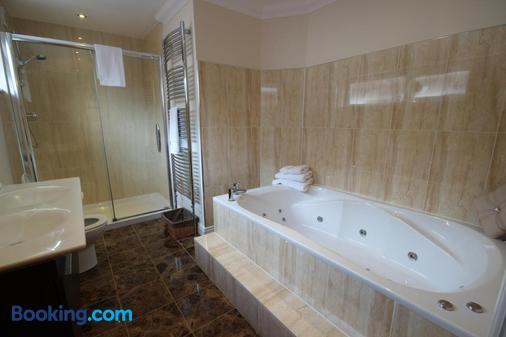 韦斯特科特住宿加早餐旅馆 - 威廉堡 - 浴室