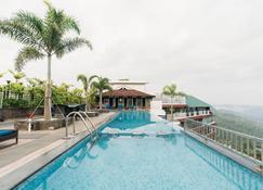 全景度假酒店 - 蒙纳 - 游泳池