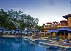 格拉西亚别墅度假酒店 - 马塔兰 - 游泳池