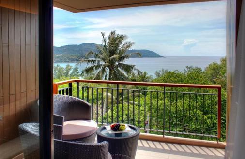 普吉岛爱维斯塔度假村 - 卡伦海滩 - 阳台