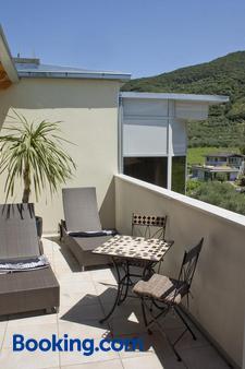 普里玛维拉环保酒店 - 加尔达湖滨 - 阳台