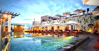 巴厘勒吉安101酒店 - 库塔 - 餐馆