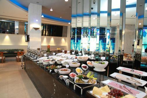 滨海逼毕罗斯酒店 - 迪拜 - 自助餐