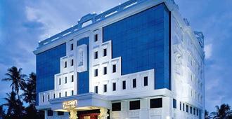 安马来国际大酒店 - 蓬蒂切里