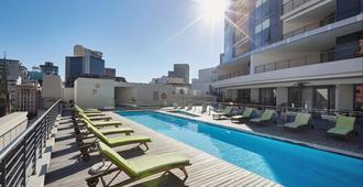 曼德拉罗兹之地水疗酒店 - 开普敦 - 游泳池
